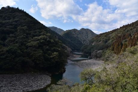15困る川渓谷