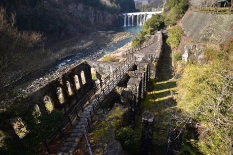 2沈堕の滝と発電所