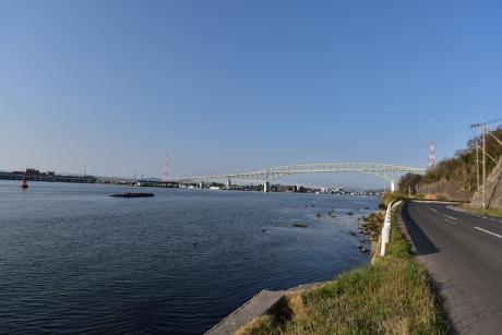 7境港へ渡る橋