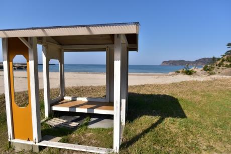 21小屋が建つ浦富海岸