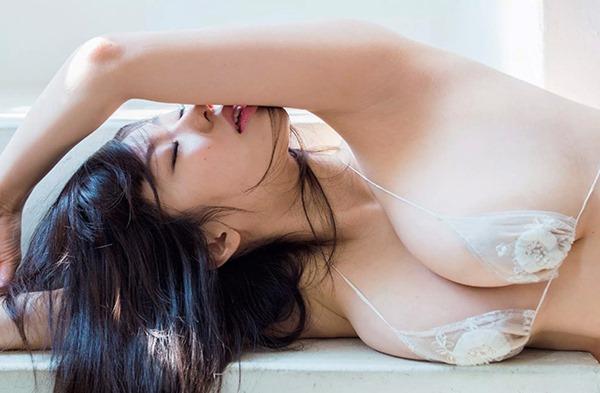 鈴木ふみ奈3