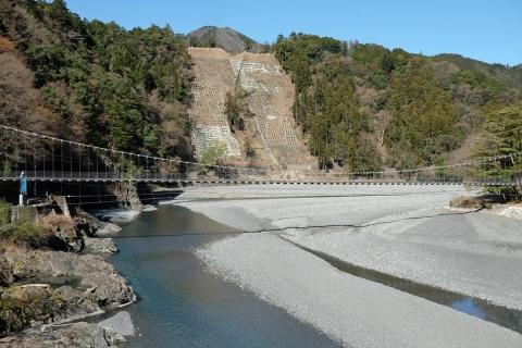 20吊り橋