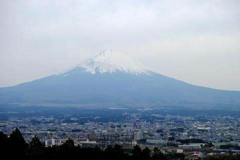 05富士山と御殿場市街