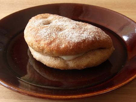 はちみつブルーチーズ 天然酵母パンと焼き菓子の店 オぷスト