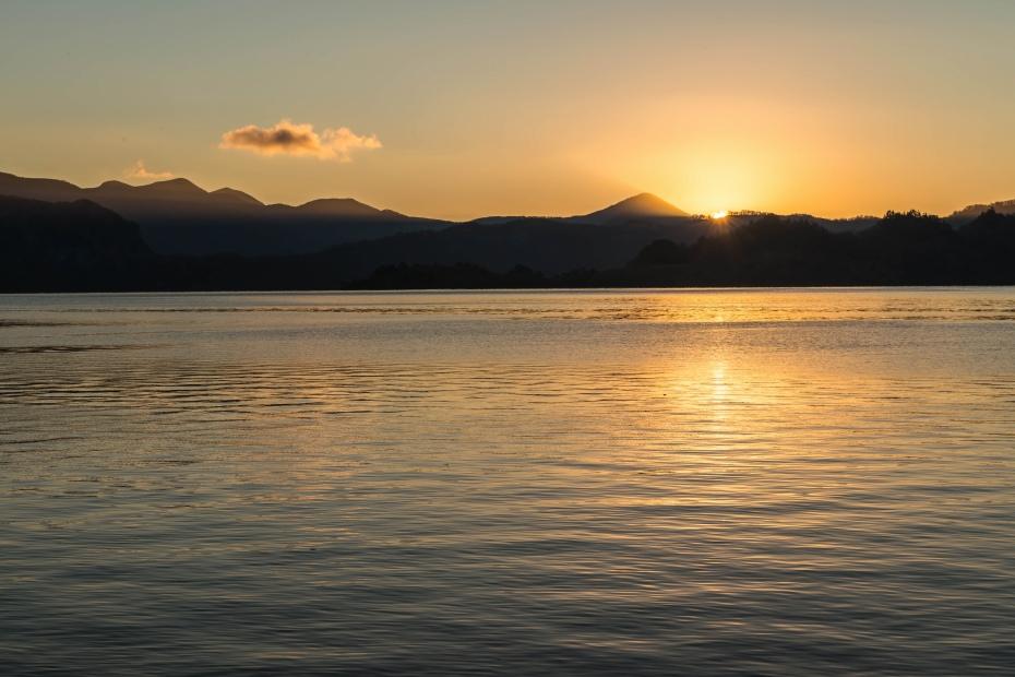 2015.10.23十和田湖の朝景4