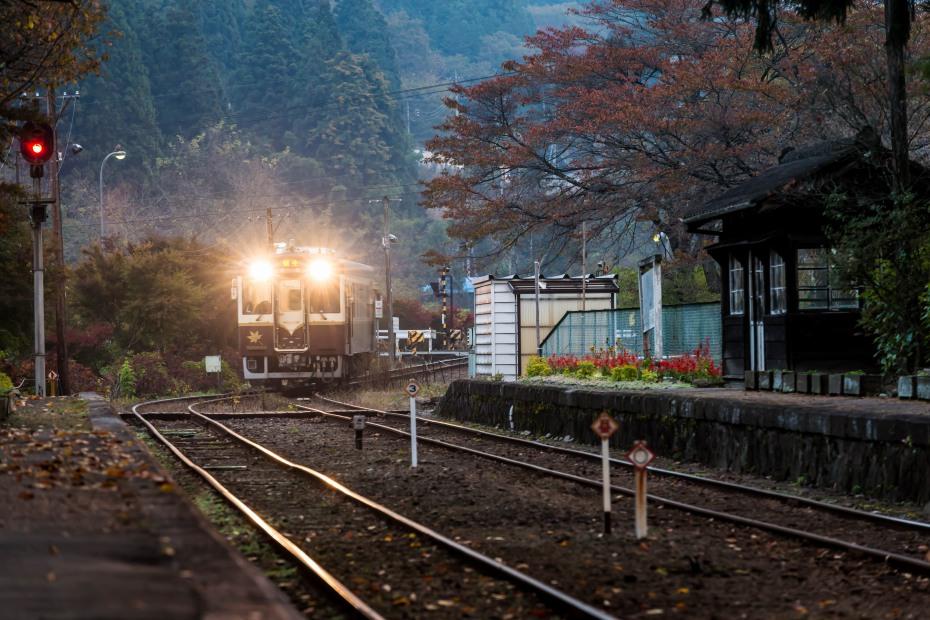 2015-10-30わたらせ渓谷鉄道沢入駅1
