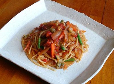 たっぷり野菜と色々トマトのスパゲッティ