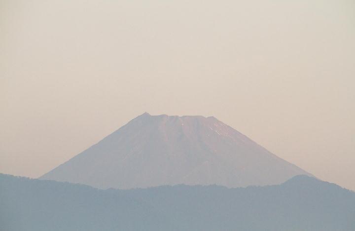 10月25日 6-03 今朝の富士山