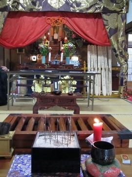 2016年春・お寺・本堂1
