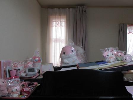 グランドピアノのぬいぐるみ①