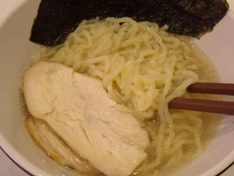 はま寿司 三条店・H27・10 鶏塩ラーメン 麺