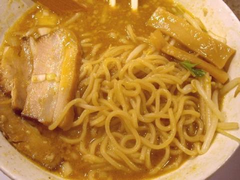 鯉次・H27・1 カレーらーめん背脂 麺