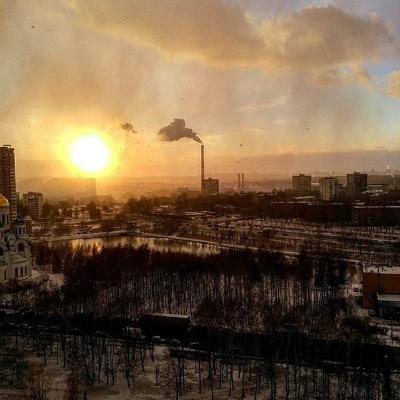 日没時のモスクワで巨大な雲-moscow-9