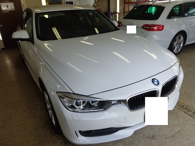 BMW320d 白