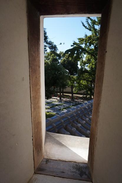 四角い小窓からの眺め