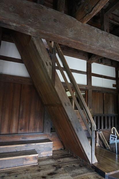 お城といえば急階段