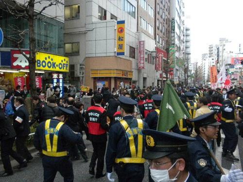 20160327日韓スワップより 日本へのヘイトに制裁を!デモin新宿、平成28年3月27日シットイン