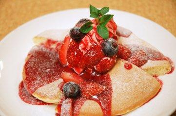 苺のもちもちパンケーキ
