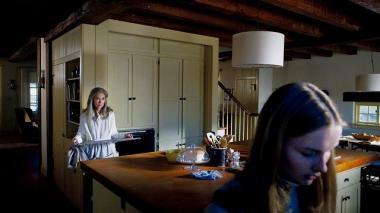 シャマラン 『ヴィジット』 おばあさんはなぜかレベッカにオーブンの掃除をさせたがる。