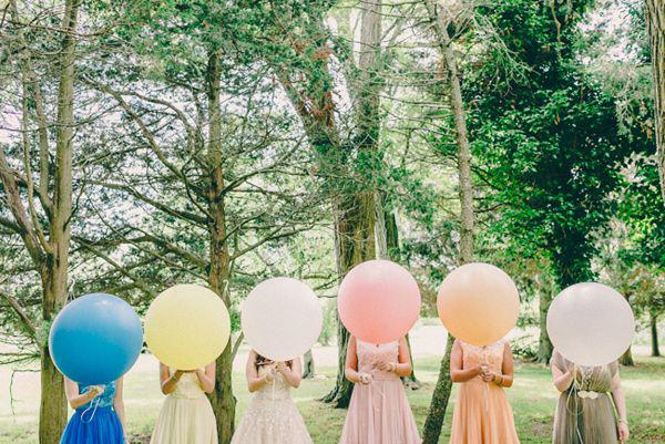 10-ways-to-include-balloons-in-your-wedding-295-int.jpg