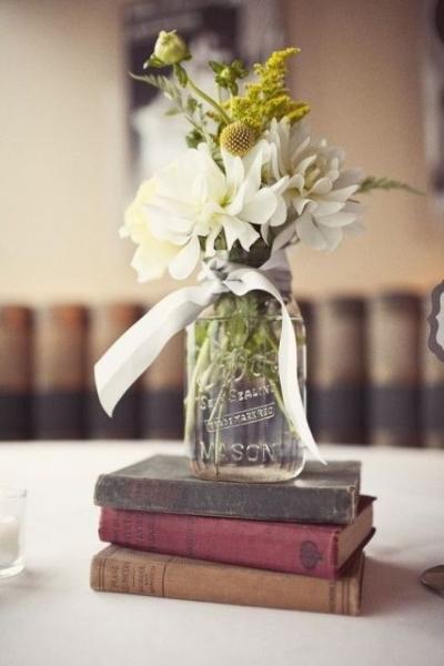 24-Elegant-Ideas-For-A-Book-Inspired-Wedding11.jpg