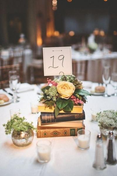24-Elegant-Ideas-For-A-Book-Inspired-Wedding14.jpg