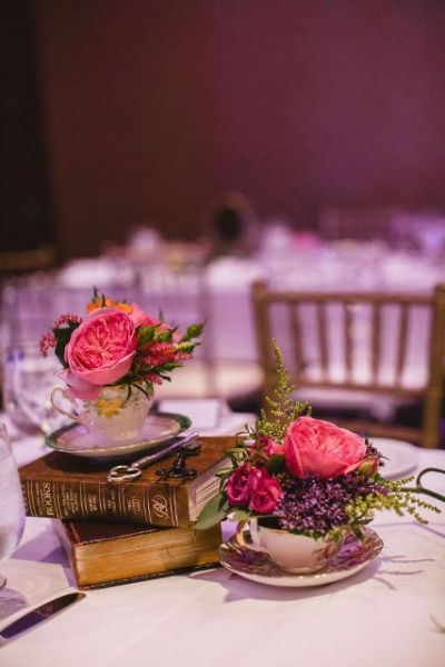 24-Elegant-Ideas-For-A-Book-Inspired-Wedding17.jpg