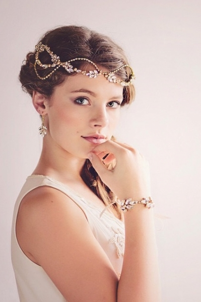 Romantic-Vintage-Inspired-Bridal-Headpieces-1.jpg