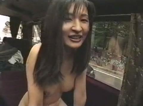 【野外露出】 コスプレ 全裸で渋滞の中を走る女
