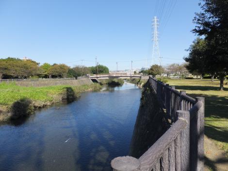 大庭鷹匠橋下流の引地川