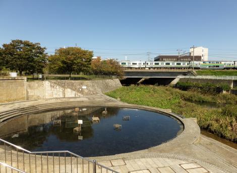 東海道本線南、引地川親水公園