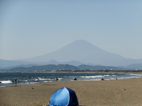 引地川河口より富士山を望む