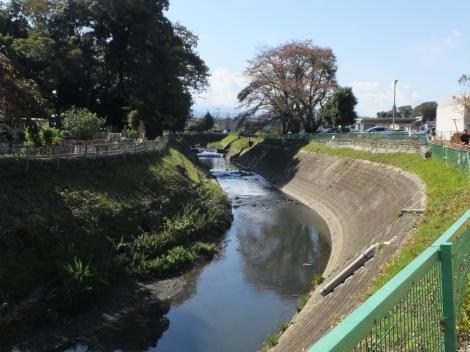 常矢橋上流の境川