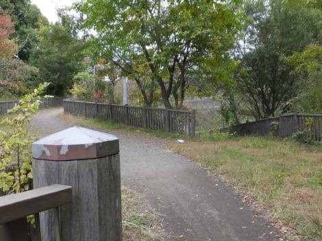横町橋より境川下流を望む