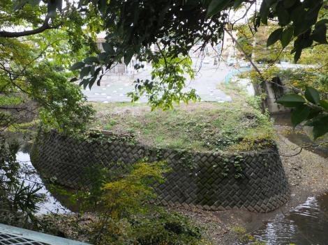 境川・相原橋上流のΩ字型蛇行