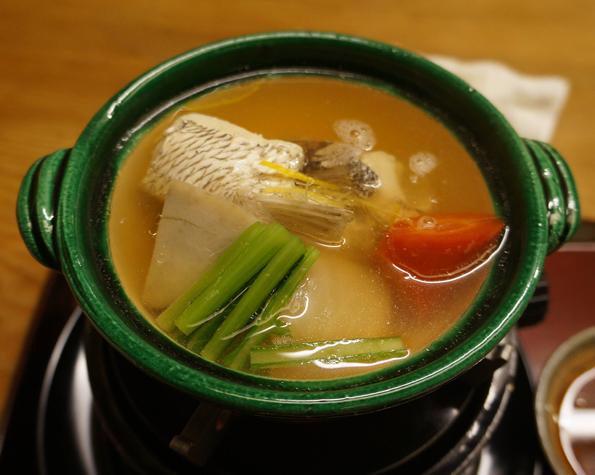 20151110 菊乃井 7 強肴 鯛かしらと季節野菜鍋 21㎝ DSC07545