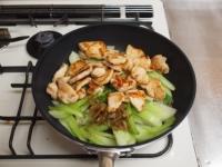 鶏むね肉とチンゲンサイのピリt56