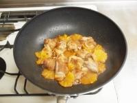 鶏もも肉のオレンジ煮t50