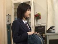 平塚ゆい 生理が2週間遅れて産婦人科に行き指マン診察で声我慢する美女子校生