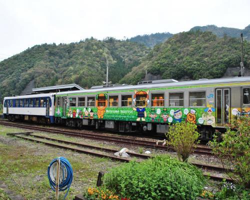 鉄道ホビートレイン&おさんぽなんよ号