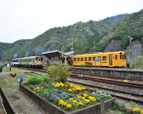 12:05江川崎駅出発