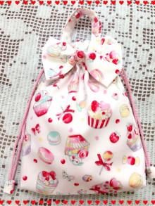 桜 美月プロデュースリボン巾着マカロンとケーキ