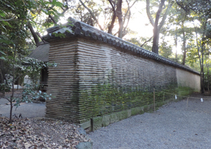 熱田神宮壁blog01