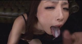 かすみりさ舌上射精画像