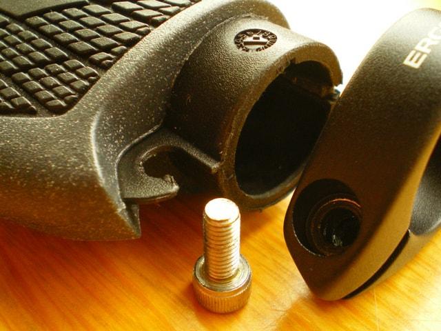 エルゴンGS1のボルト
