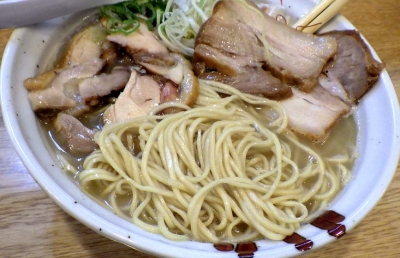 らーめん香澄 中崎町店 上とり塩(麺のアップ)