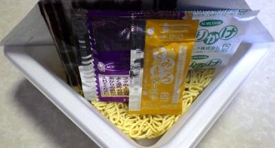 3/21発売 たまごかけ風焼そば まろ旨ソース味(内容物)