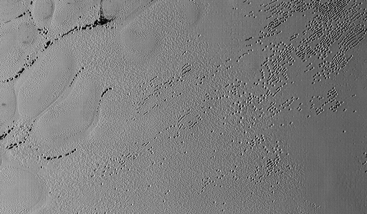 冥王星表面の模様