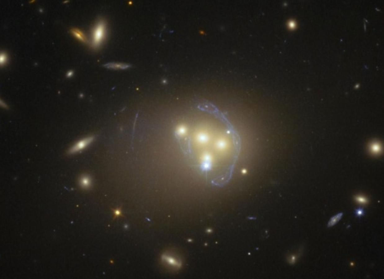 四つの銀河とダークマター