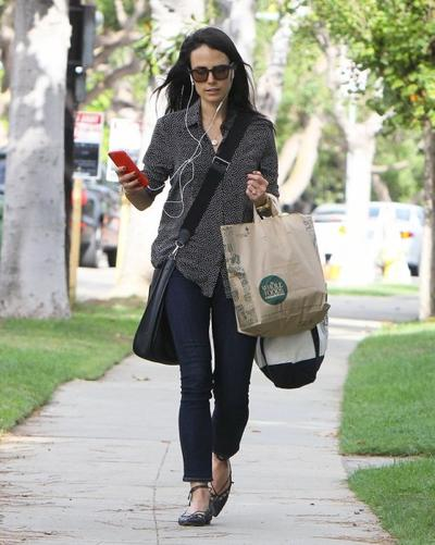 Jordana+Brewster+Picks+Up+Groceries+s3P7saVUbfMl.jpg
